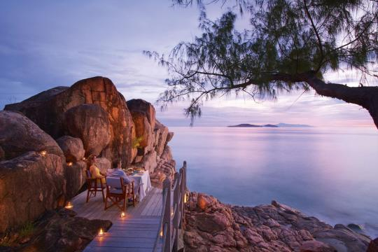 SCSEZCONLE Constance Lemuria Resort lemuria-seychelles-2016-AB-Nest-Dinner-on-The-Rocks-01