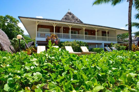 SCSEZLADIG La Digue Island Lodge beachhouseview