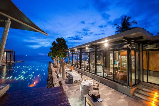 THHKTALEEN Aleenta Phuket Phang Nga Resort 29. The Edge Restaurant