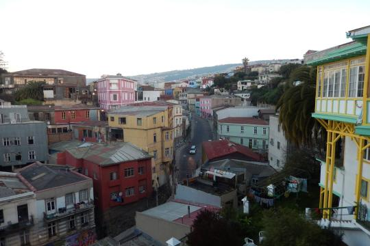 Chile1 chi valparaiso city view 04 c sat sb (1)