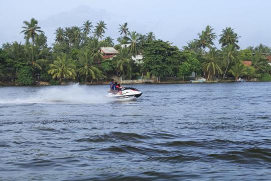 LKCMBCENBE Centara Ceysands Resort & Spa Watersports Jetskiing