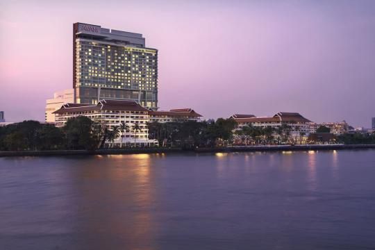 THBKKANANR Anantara Bangkok Riverside Resort & Spa 01 Exterior Twilight