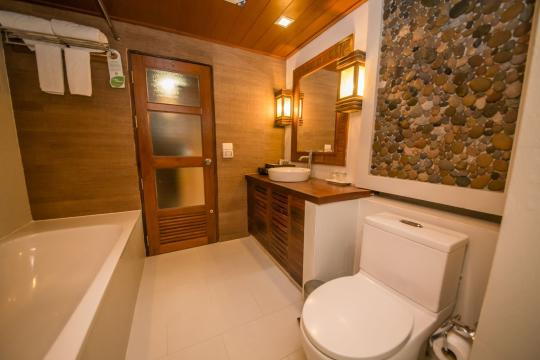 THTDXCENTR Centara Koh Chang Tropicana Resort CKC 02-deluxe-bathroom-02