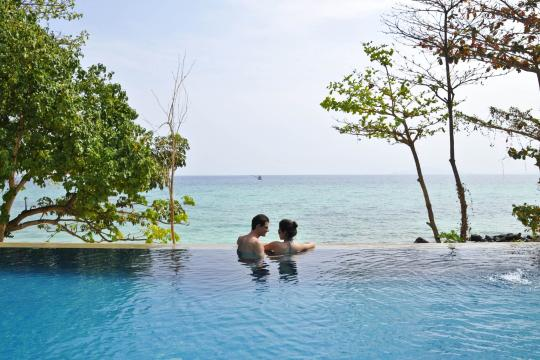 THHKTPEEPE Holiday Inn Resort Phi Phi Island 11. Pool-Infinity Pool at Coral Wing2