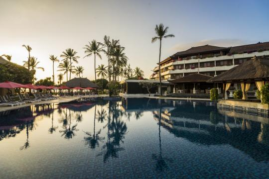 IDDPSNUSAD Nusa Dua Beach Main Pool  Morning