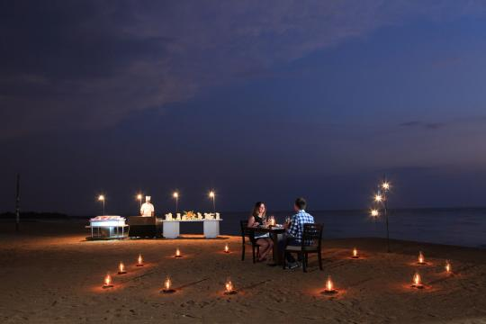 LKCMBAVANK Avani Kalutara Resort Outdoor Dining