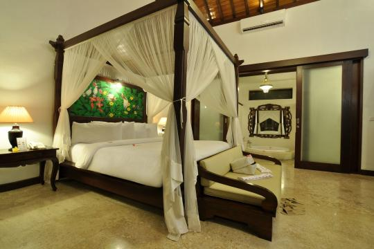 IDAMIPURIM Puri Mas Boutique Resort & Spa Bedroom Jacuzzi Villa