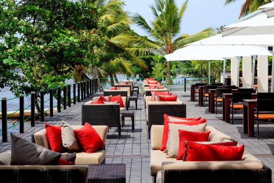 LKCMBCENBE Centara Ceysands Resort & Spa Cafe Bem Daytime
