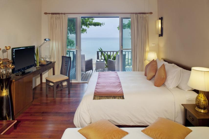 THHKTPEEPE Holiday Inn Resort Phi Phi Island Coral Beach Studio day Resize
