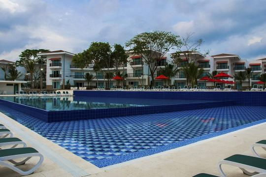 COCTGDECAM Decameron Piscina3- Royal Decameron Baru