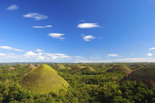 PH Philippinen Philippinen Bohol Chocolate Hills 7