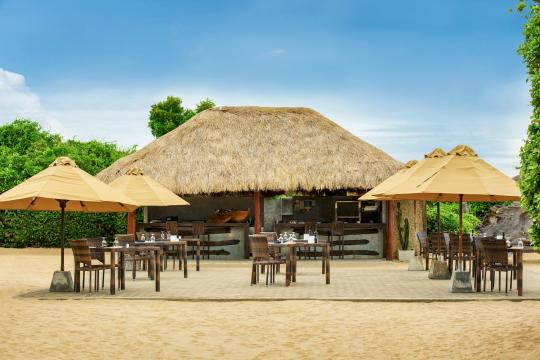 LKCMBJUNGL Jungle Beach Resort by Uga Escapes Beach Bar