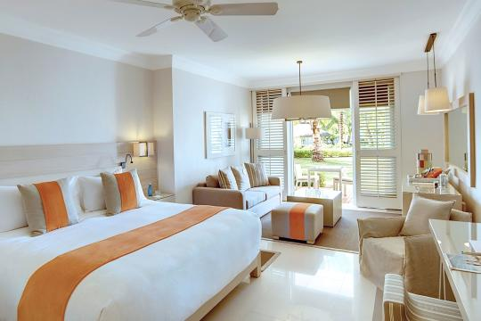 MUMRUBMARE Lux Belle Mare Junior Suite