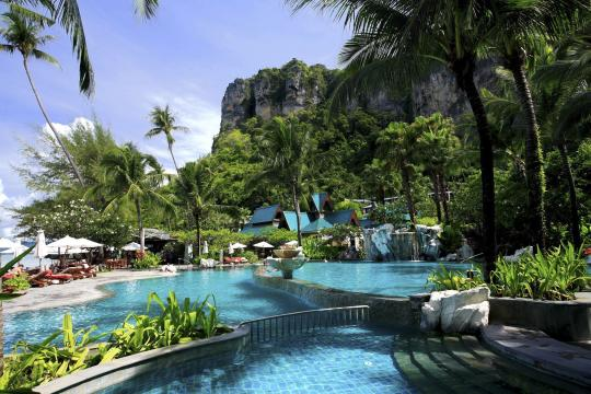 THKBVCENTR Centara Grand Beach Resort Krabi CKBR swimming-pool-04