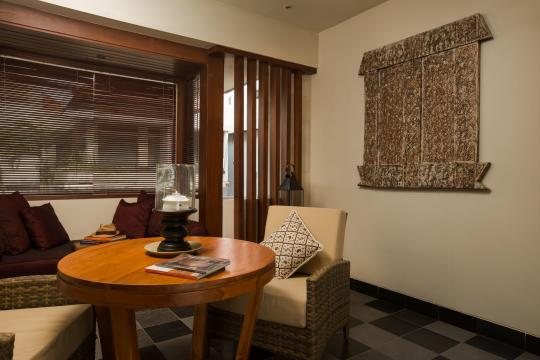 IDDPSTHEUB The Ubud Village Junior Suite Living Room