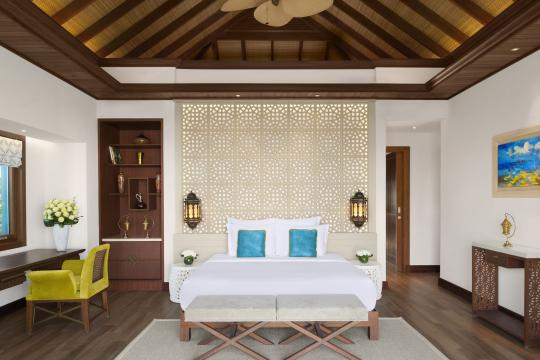 QADOHBANAN Banana Island Resort by Anantarat Three Bedroom Seaview Pool Villa Master Bedroom-353
