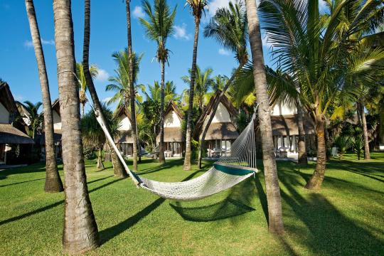 MUMRULAPIR La Pirogue Resort & Spa Outdoor View