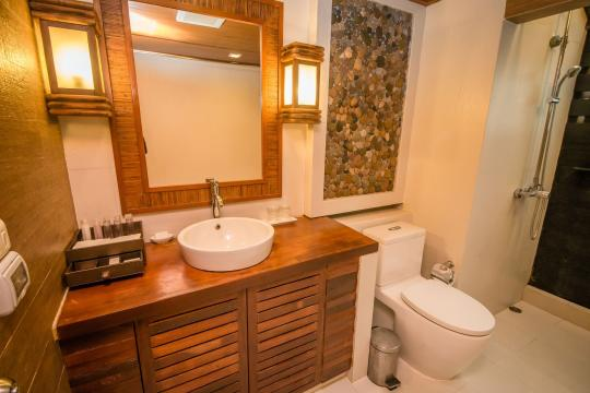 THTDXCENTR Centara Koh Chang Tropicana Resort CKC 02-deluxe-bathroom-01