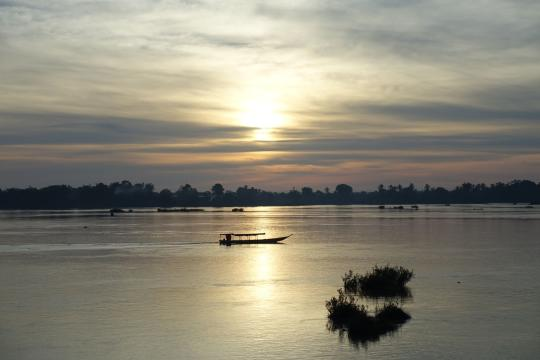 LA Südlaos Laos 4000 islands Sonnenaufgang am Mekong