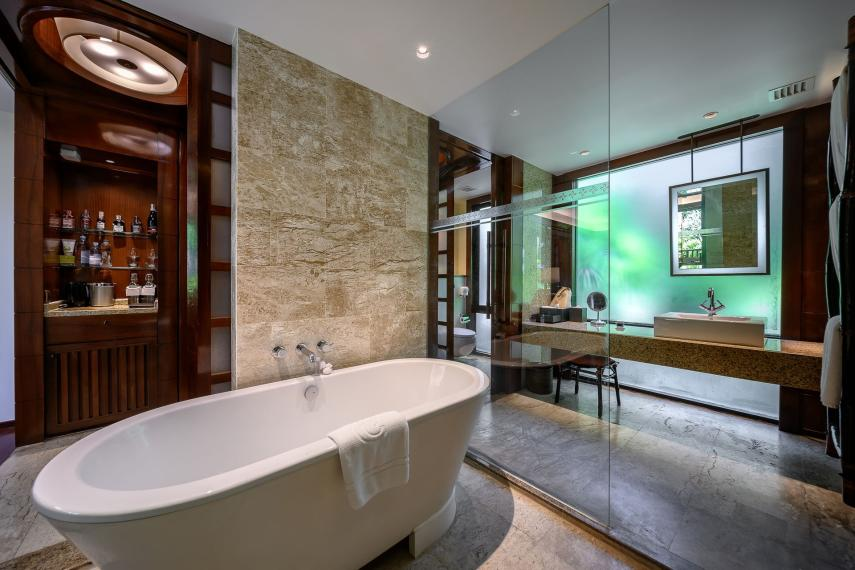 THKBVCENTR Centara Grand Beach Resort Krabi CKBR 03-premium-deluxe-ocean-facing-bathroom