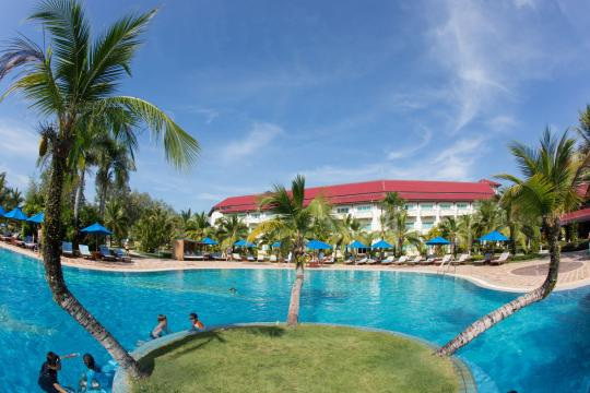 KHPNHSOKHA Sokha Beach Resort & Spa Main Pool View