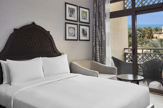 AEDXBHIRAS Hilton Resort & Spa Ras Al Khaimah  Double Queen Hilton Guestroom Bedroom