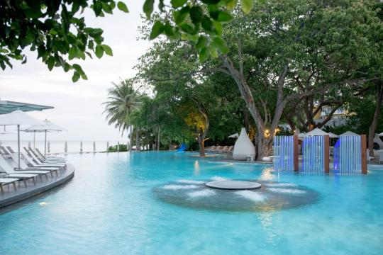 THHHQVERAN Veranda Resort Hua Hin Swimming Pool1