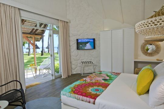 MUMRULAPIR La Pirogue Resort & Spa Beach Pavillon Bedroom