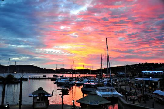 ZA Knynsa Gardenroute sunset at Knysna Waterfront