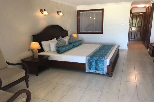 SCSEZLADIG La Digue Island Lodge Zimmer
