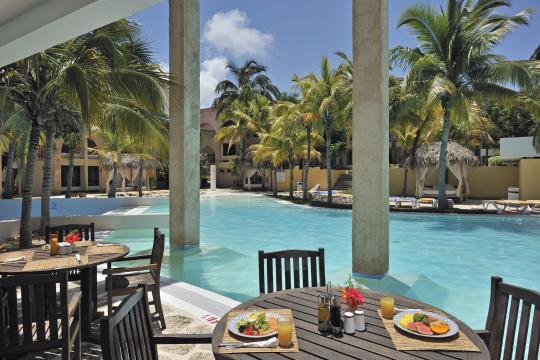 CUVRAAMERI Melia Las Americas - Breakfast Area, Food, Swimming Pool, Restau