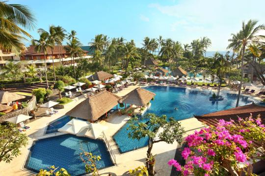 IDDPSNUSAD Nusa Dua Beach Main Pool Highshoot