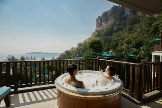 THKBVCENTR Centara Grand Beach Resort Krabi CKBR 05-spa-deluxe-ocean-facing-lifestyle-05
