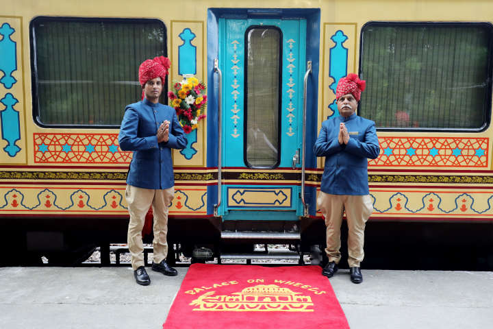 MAIN Palace on Wheels