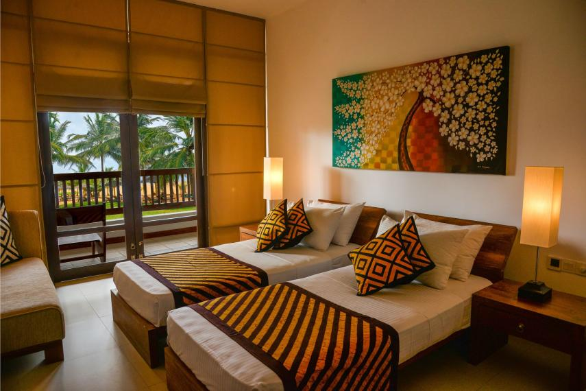 LKCMBGOLDI Goldi Sands Negombo Twinbed Room