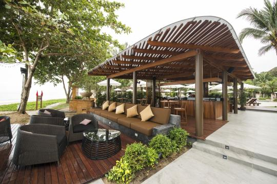 THKBVLAYAN Layana Resort & Spa Sundowner Bar (3)