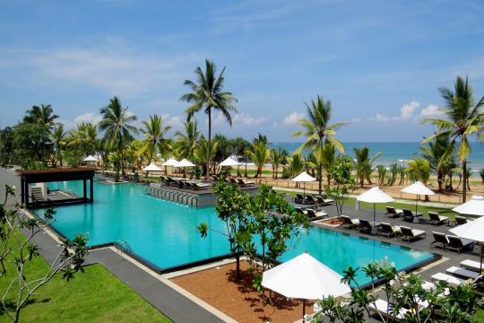 LKCMBCENBE Centara Ceysands Resort & Spa Swimming Pool