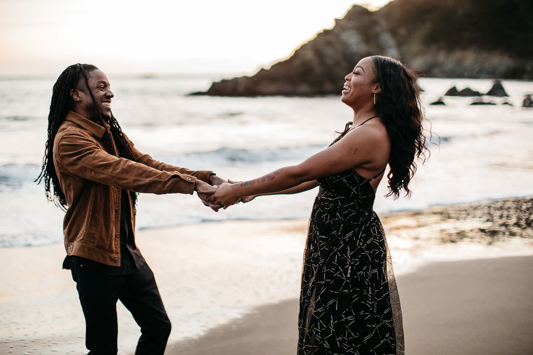 muir-beach-ca-spring-lifestyle-engagement-session-41