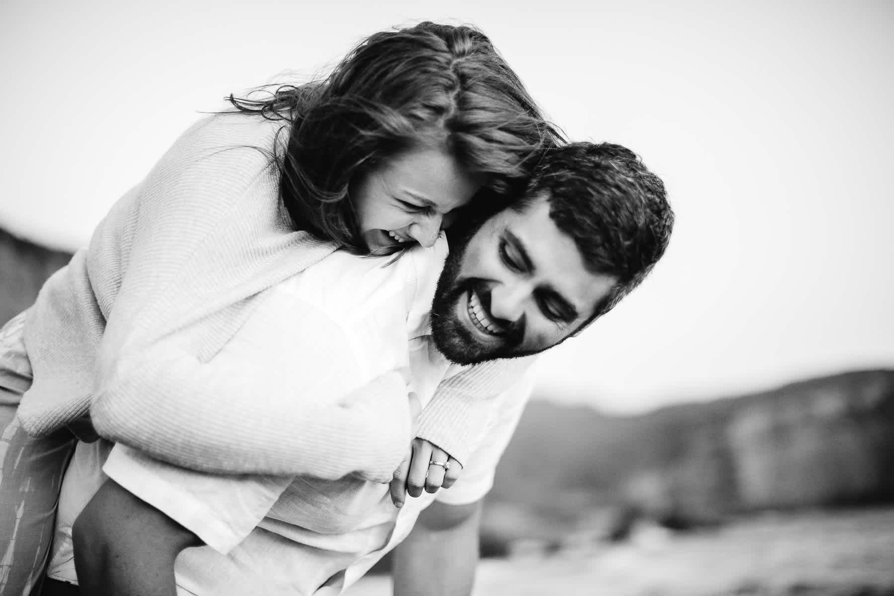 marin-headlands-rodeo-beach-lifestyle-laughter-engagement-session-81