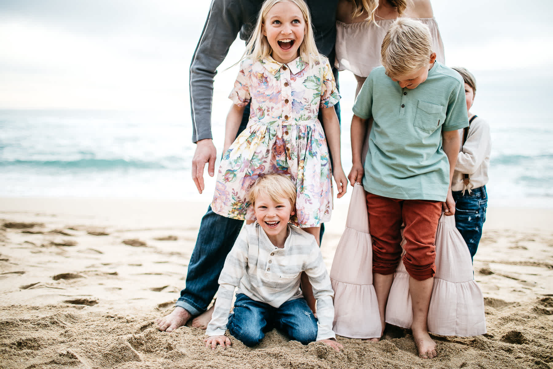 half-moon-bay-ca-sunset-family-lifestyle-session-golden-light-6