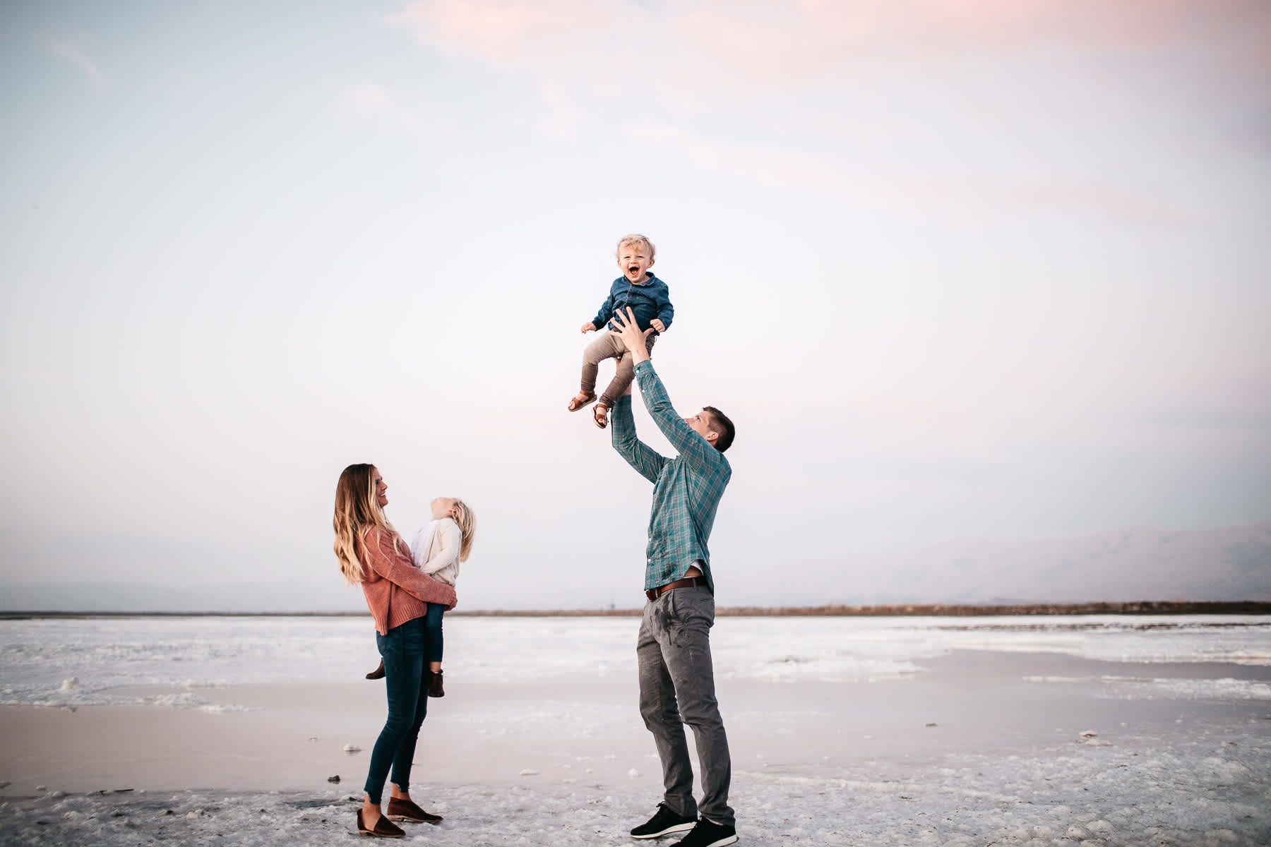 san-jose-ca-salt-flats-sunset-family-lifestyle-session-38