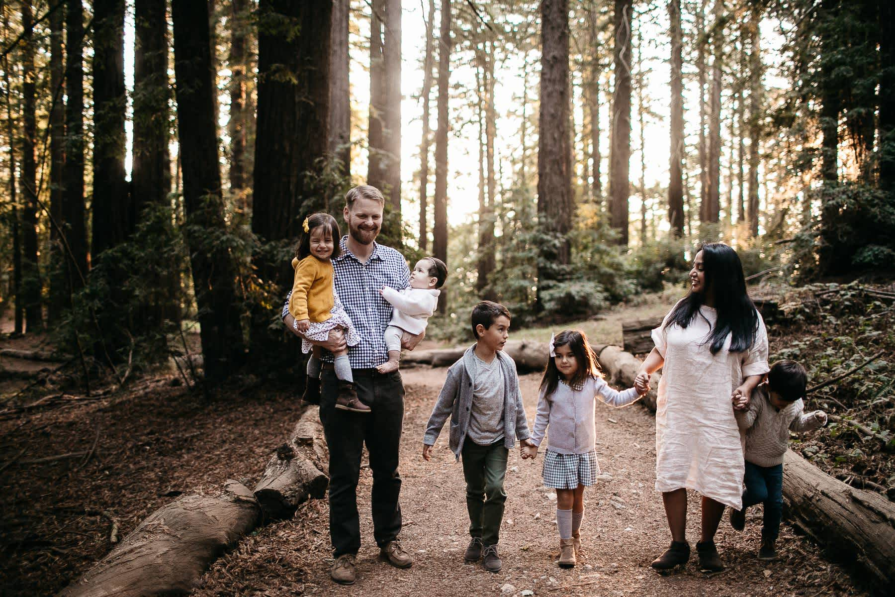 oakland-redwoods-dreamy-big-family-lifestyle-session-36