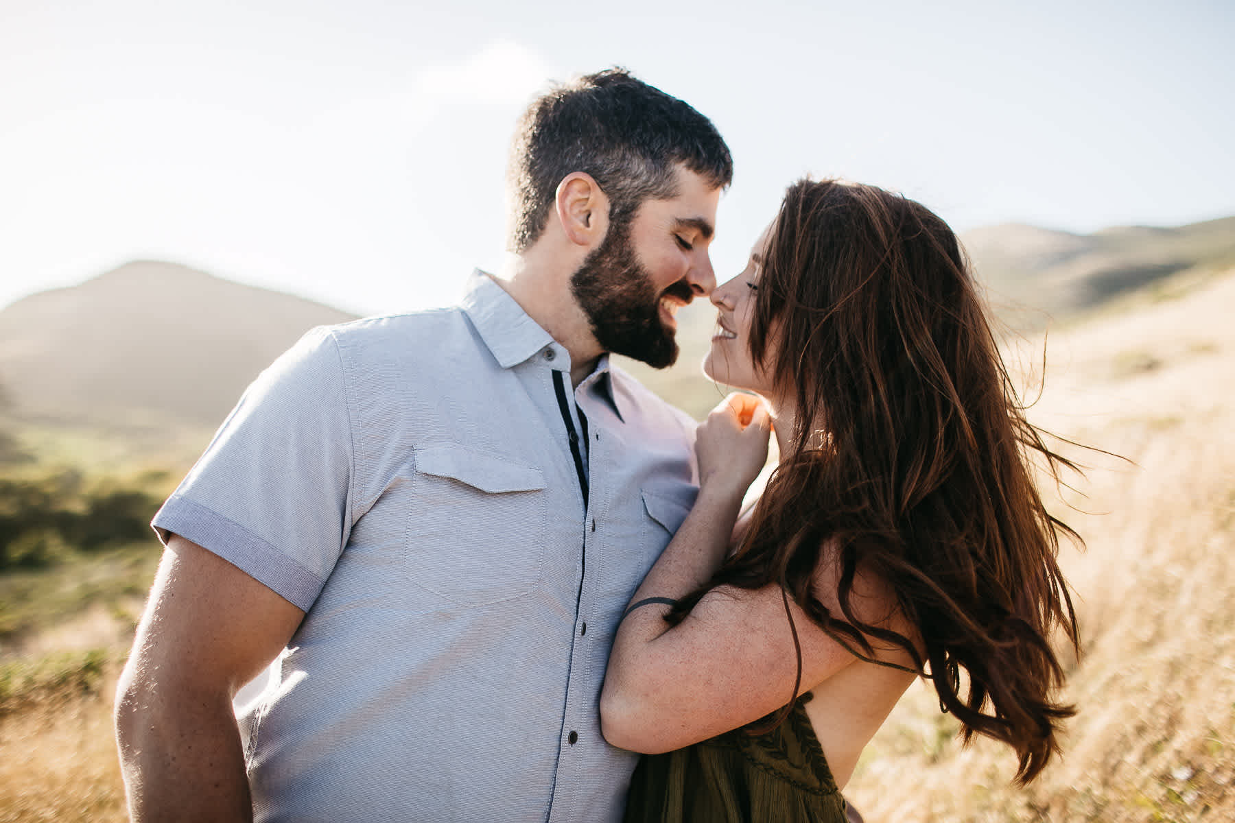 marin-headlands-rodeo-beach-lifestyle-laughter-engagement-session-5