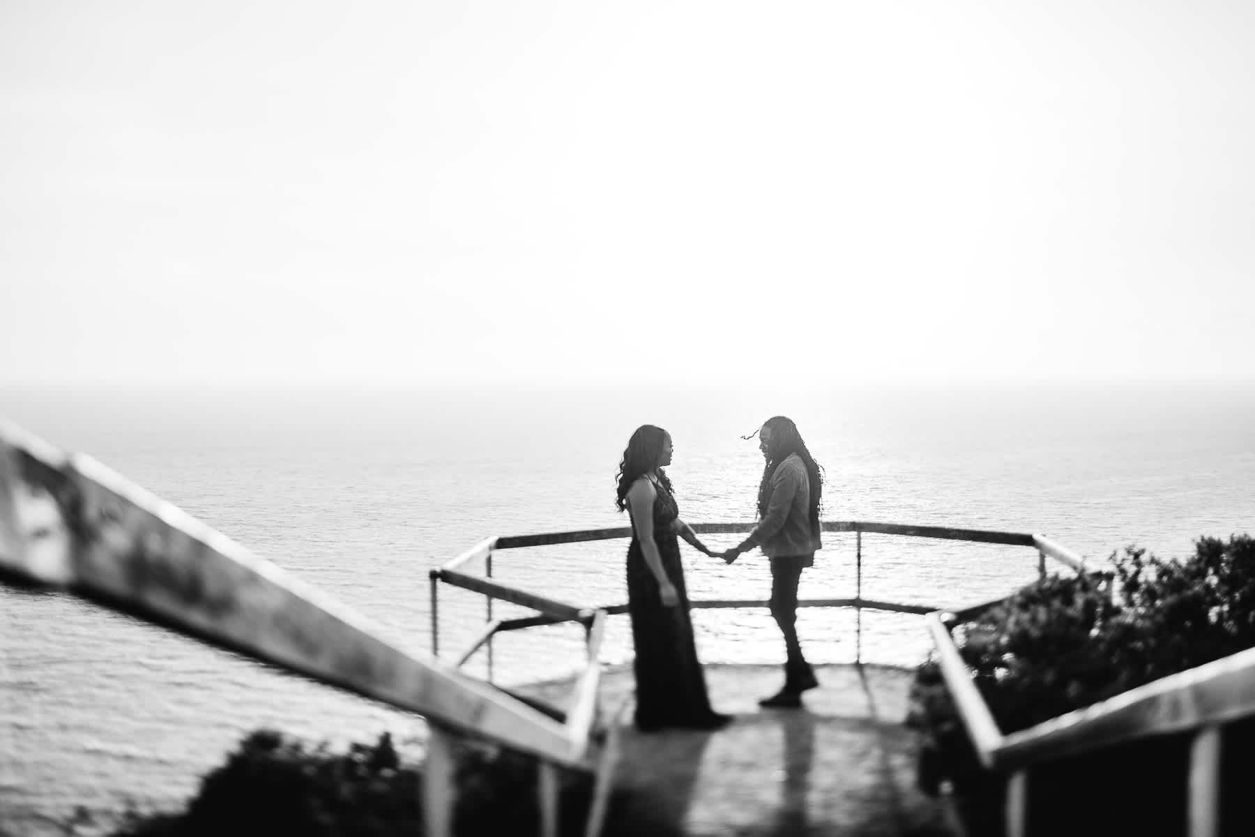 muir-beach-ca-spring-lifestyle-engagement-session-15