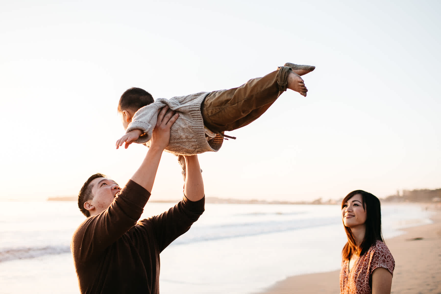Half-moon-bay-beachy-sunset-lifestyle-family-session-30