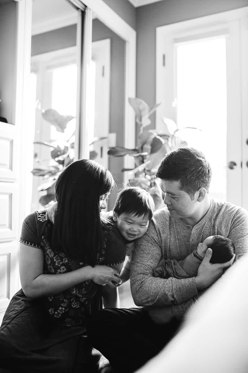 san-jose-family-lifestyle-newborn-rainy-day-shoot-19