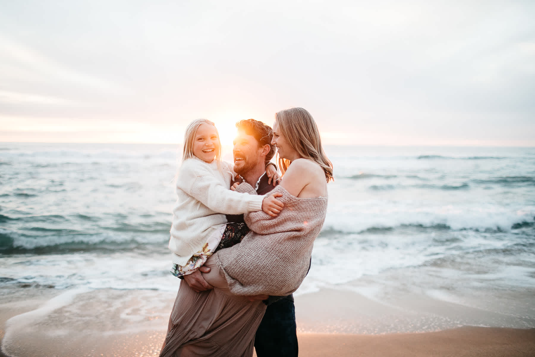 half-moon-bay-ca-sunset-family-lifestyle-session-golden-light-43