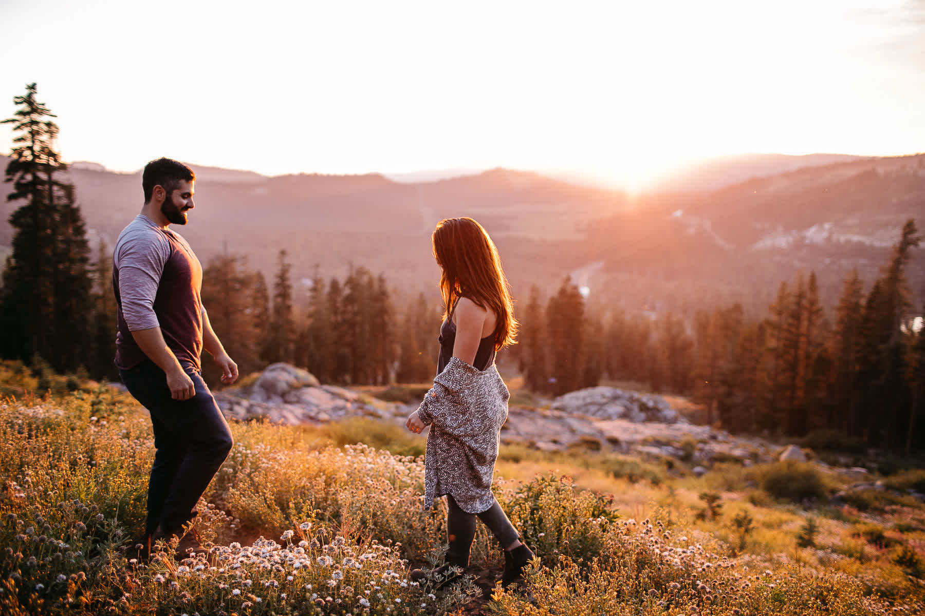 lake-tahoe-forest-donner-sunset-couple-session-21