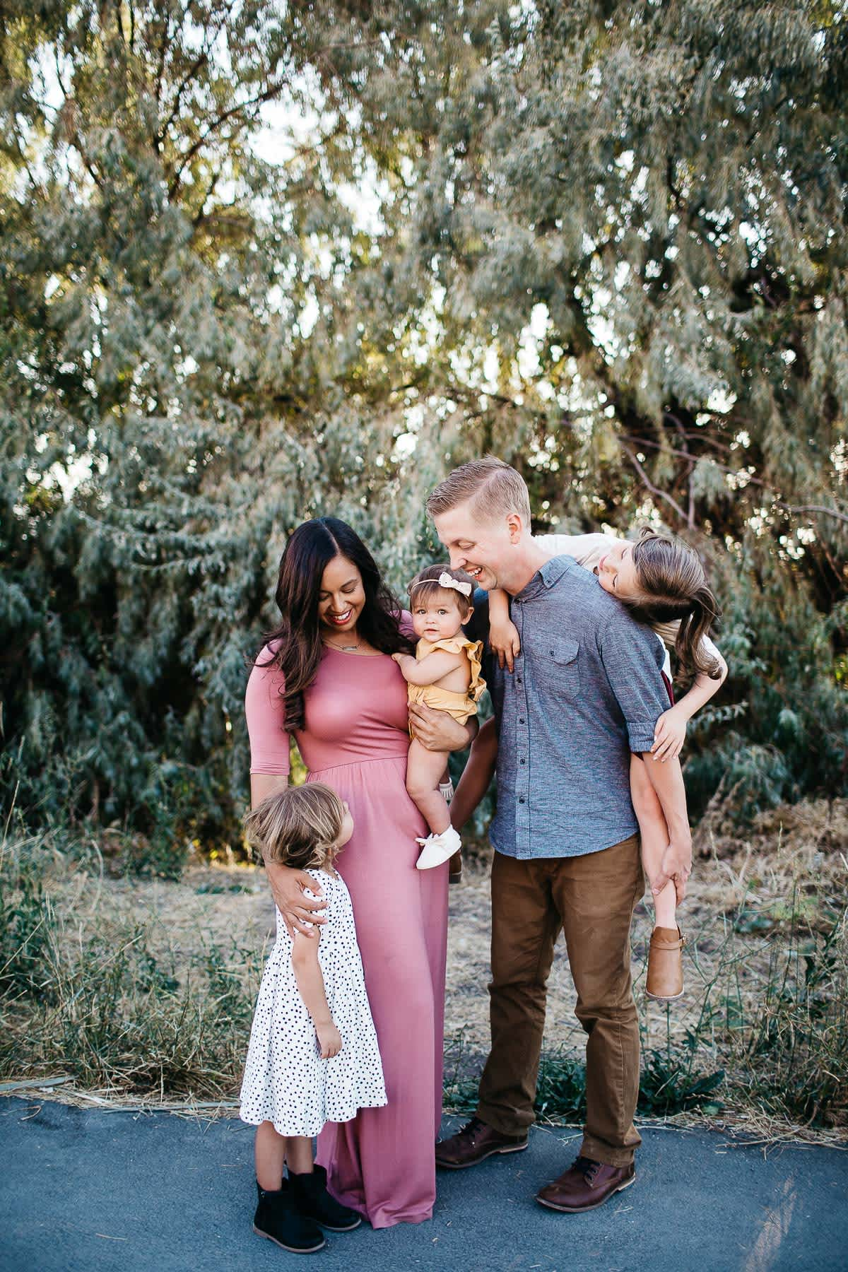 salt-lake-city-family-lifestyle-phtpographer-golden-field-15