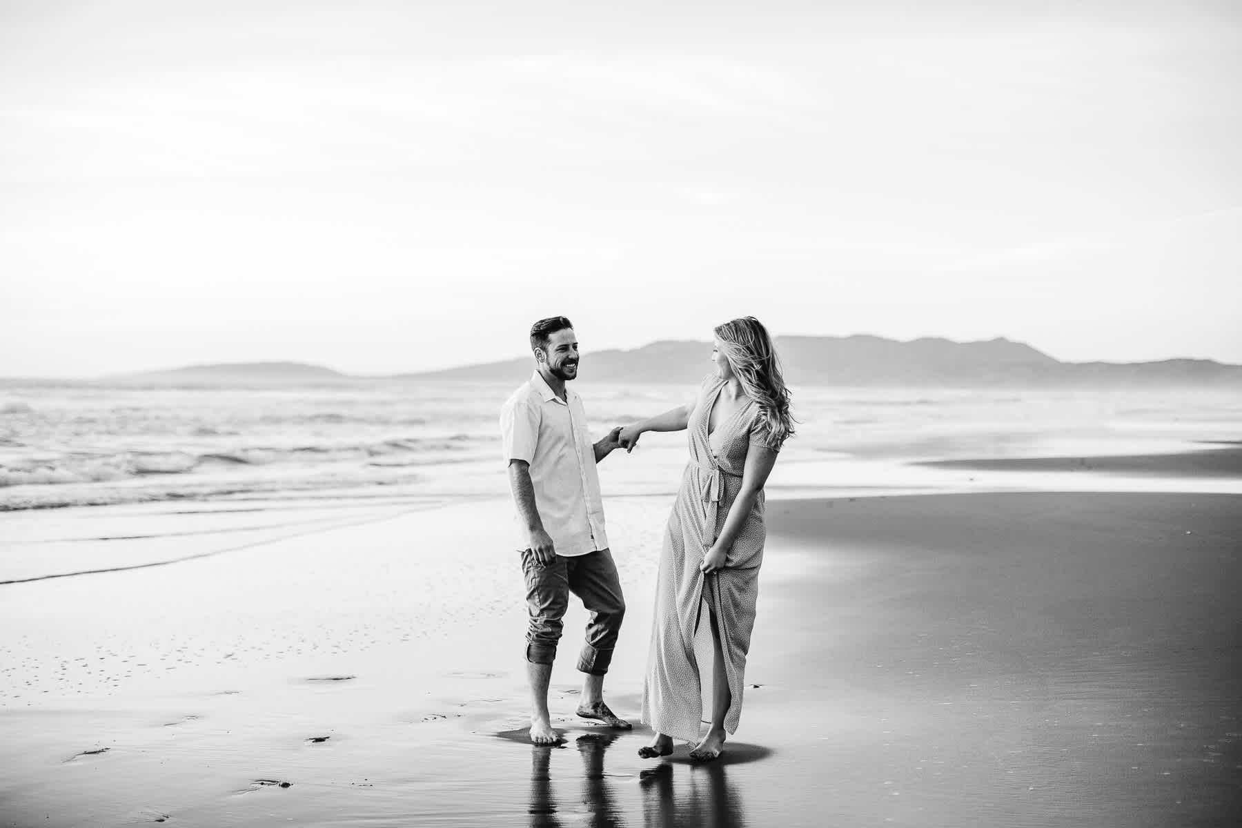 fort-funston-engagement-session-sunset-fun-beach-session-36